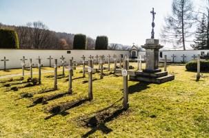 cmentarz przyklasztorny