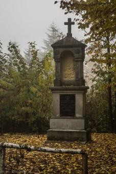 Główny Szlak Świętokrzyski - Gołoszyce, kapliczka św. Huberta