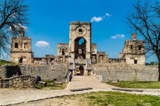 krzyżtopór - zamek w Ujeździe