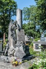 cmentarze w kielcach - cmentarz stary smutny anioł