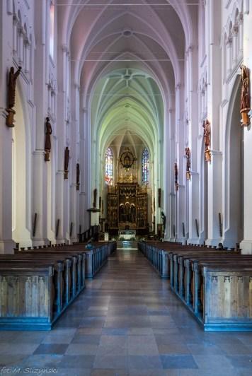 Częstochowa - widok na ołtarz główny