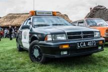 stary amerykański samochód policyjny