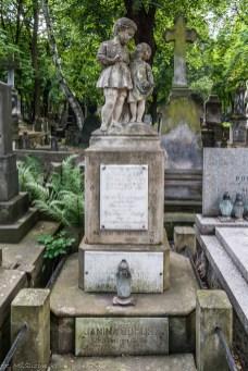 stare powązki - dzieci grób