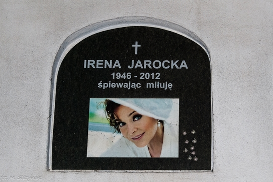 Powązki - grób Ireny Jarockiej