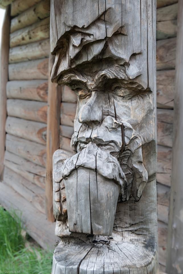 drewniana figura twarzy człowieka