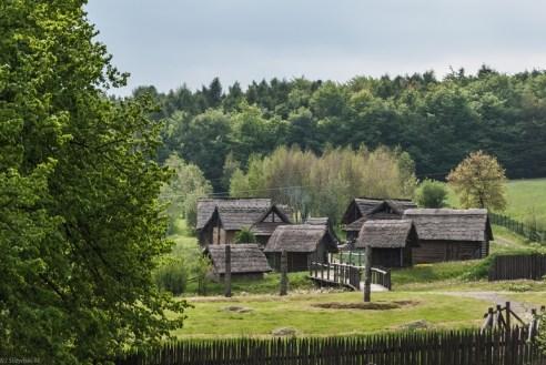 osada przy lesie