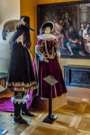 żywiec - muzeum miejskie stary zamek stroje z epoki