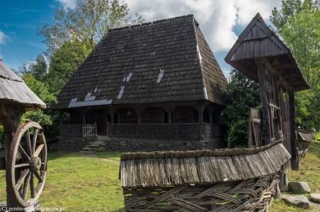 wesoły cmentarz - muzeum wsi syhot
