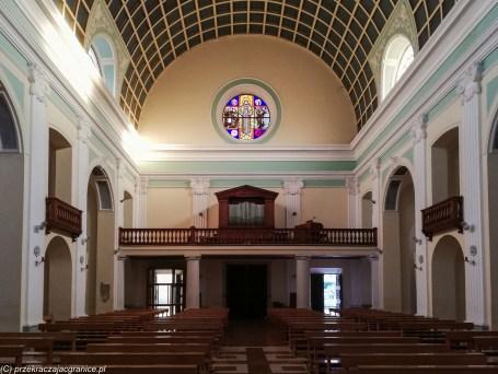 Kościół Franciszkanów wnętrze wejście szkodra