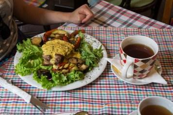 jedzenie w restauracji Astal Saren nowy sad