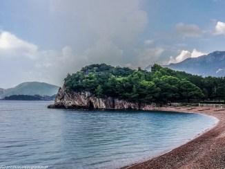 Plaża przy wyspie św. Stefana - jeden dzień w czarnogórze