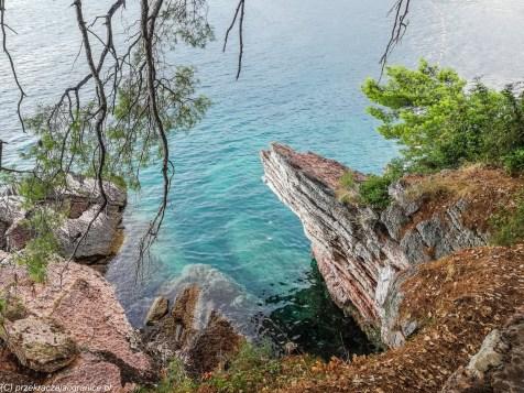 Brzeg przy wyspie św. Stefana