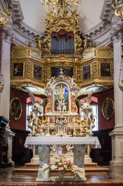 ołtarz w kościele św bartłomieja dubrownik