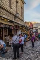 Uliczni handlarze bazar w mostarze