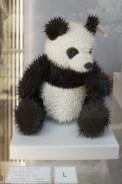 pluszowy miś panda o kłującym futerku