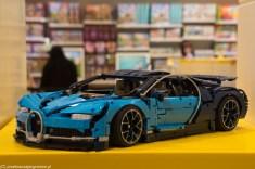 samochód wyścigowy z klocków w sklepie