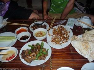 mięso węża w snake vilage w hanoi