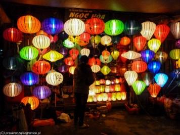 sklep z kolorowymi lampionami w hoi an