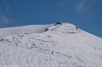 wulkan etna - kaldera wulkanu pokryta śniegiem