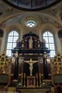 podsumowanie maja - ołtarz w starym kościele