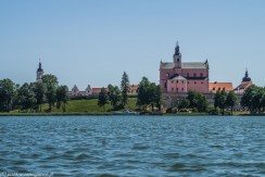 jezioro natura architektura klasztor nad jeziorem wigry