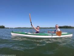 ludzie kajak jezioro sport wigry
