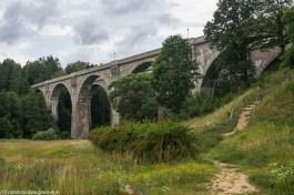 wiadukt w kształcie akweduktu