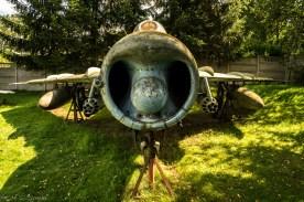 przód starego samolotu wojskowego
