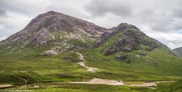 szlak pieszy prowadzący w kierunku szczytów Glen Coe