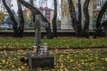 podsumowanie listopada - biała podlaska cmentarz włoski grób