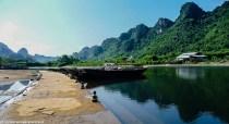 północny wietnam - perfume pagoda rzeka łodzie góry