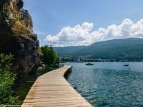ochryda na weekend - kładka nad jeziorem ochrydzkim