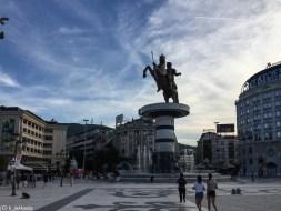 skopje w jeden dzień - wojownik na koniu plac macedonia aleksander wielki
