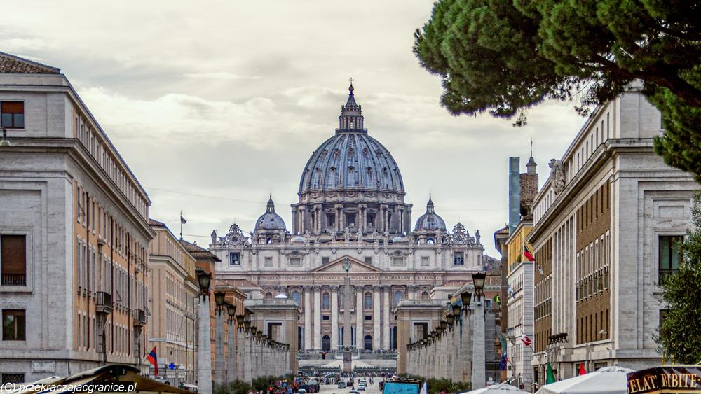 Watykan - droga na Plac św Piotra