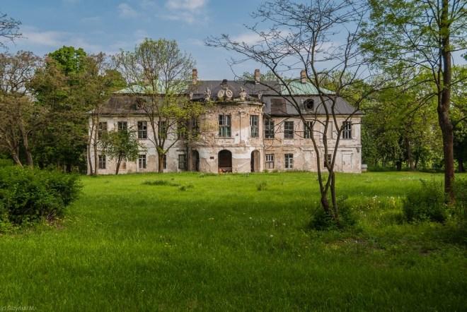 budynek ruiny park śladków duży