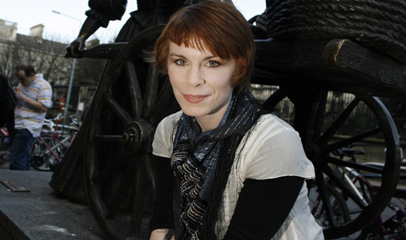 Author Tana French pictured in Dublin's Grafton St.KOB.3/4/8