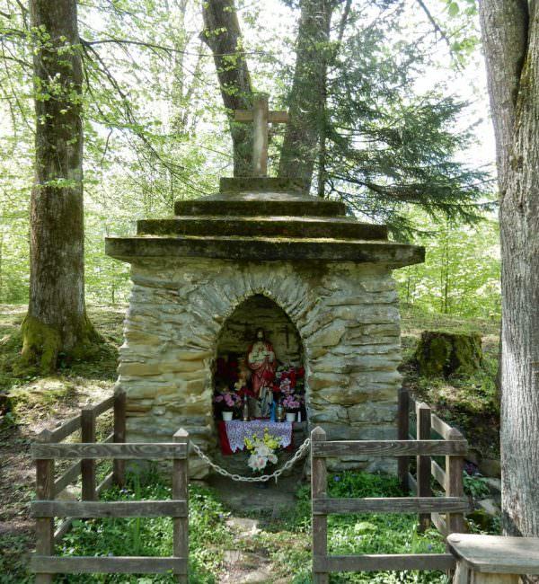 Kapliczka w Polanie Ostre