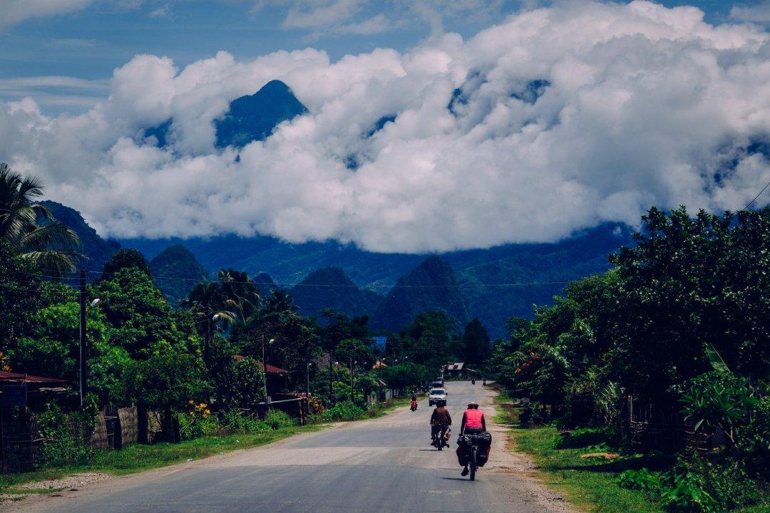 Droga doVang Vieng, Laos