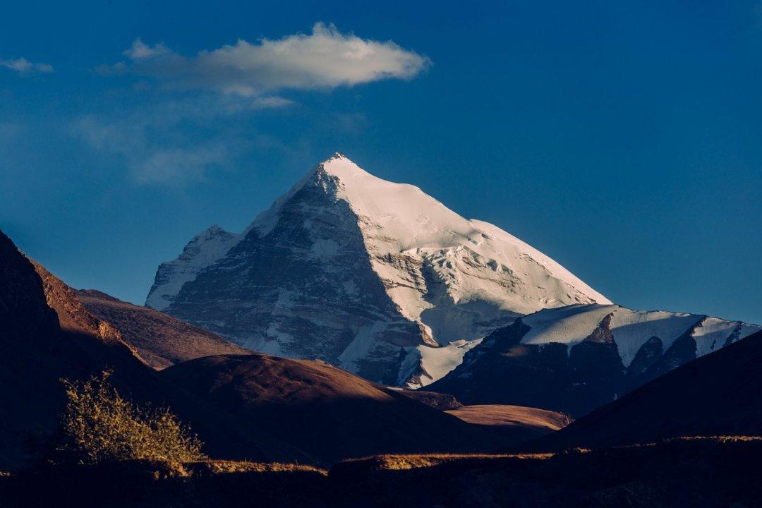Po ten widok się jedzie doDoliny Shakhdary - Peak Marksa, 6726 m. n.p.m.. Nazdjęciu niżej Peak Engelsa, mniejszy o200 metrów