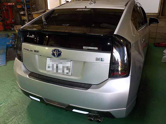 ZVW30 プリウス テールレンズ交換 車高調整 1G 四輪アライメント