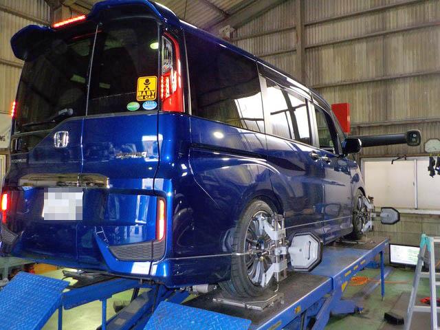 RP3 ステップワゴン スパーダ 持ち込みタイヤ交換 四輪アライメント