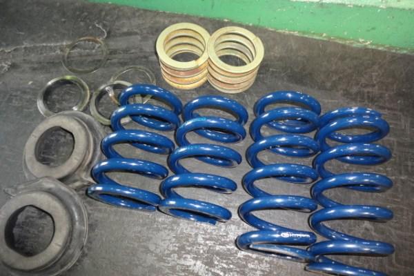 Z33 フェアレディZ 車高調の直巻スプリング交換 四輪アライメント