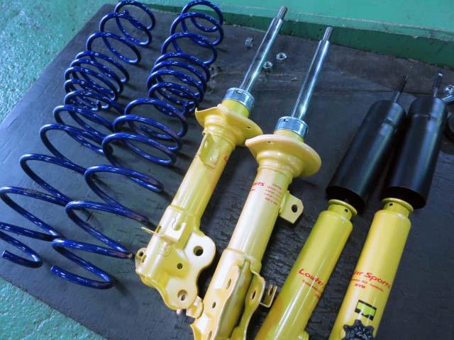 HA36S アルトワークス KYBローファースポーツサスキットに交換 四輪アライメント