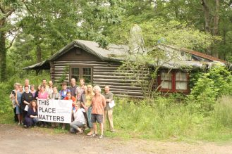 PSABC volunteers at Wolfe Cabin