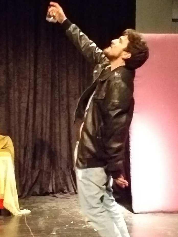 Θρήνος στην Αρτάκη για τον 27χρονο ηθοποιό Θοδωρή Λάφη.Έδινε παράσταση σήμερα το βράδυ.... 54516381 1624991260937765 6606096585321349120 n