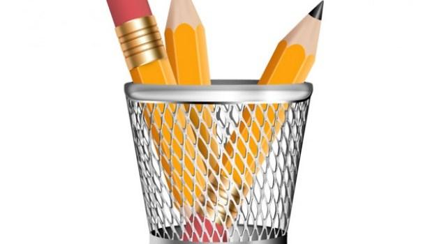 Pencils in a pencil holder, PSD icon