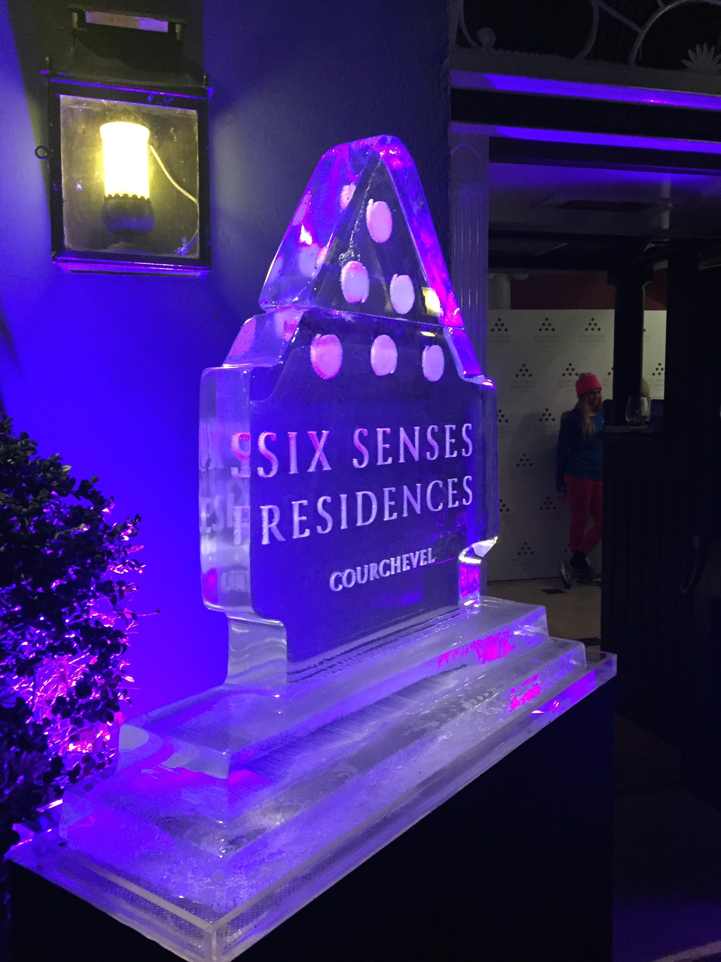 Six Senses residences ice sculpture