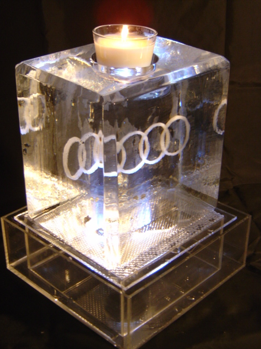 audi centre table with candel holder