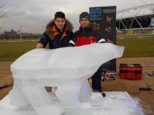 ARCTIC CONDITIONS AT THE LONDON POLAR PLUNGE – ICE BEAR SPOTTED!