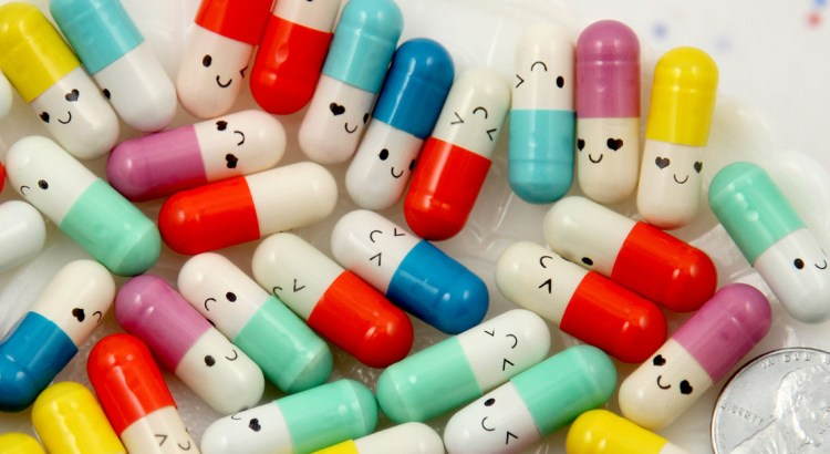 analgésico, remédio, comprimido, pílula, medicamento, remédio empático, comprimido feliz, pílulas felizes